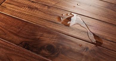 моем деревянный пол правильно, чтобы не повредить